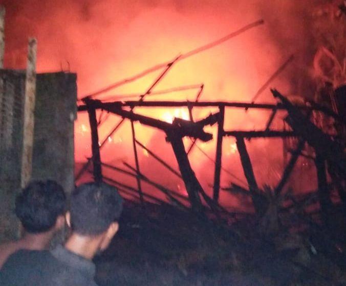 Diduga Arus Pendek Listrik, Satu Unit Rumah Hangus Terbakar
