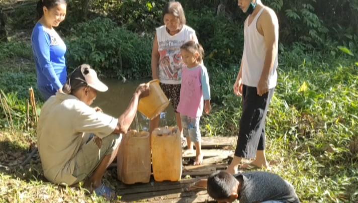 Kekeringan, Warga Talang Ubi Pali Gunakan Air  Kotor