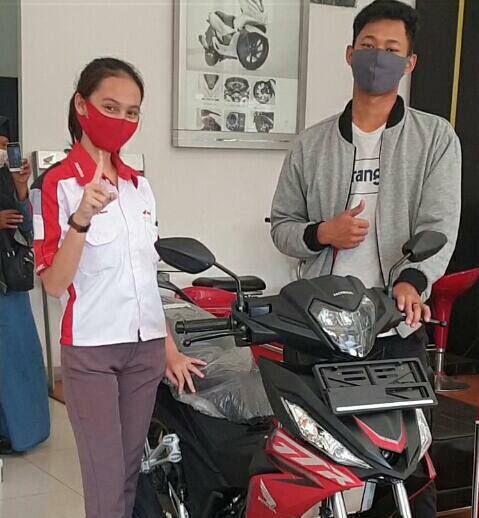 Menabung Sejak SMP, Pria Asal Palembang Beli Motor Honda Supra GTR dengan Uang Receh