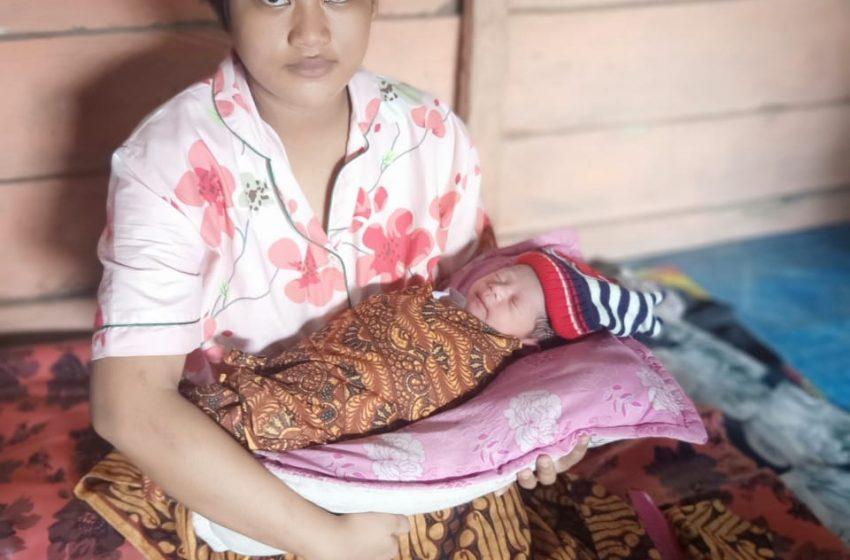Eka Lahirkan Bayi Tepat Pada Upacara HUT RI Ke 75