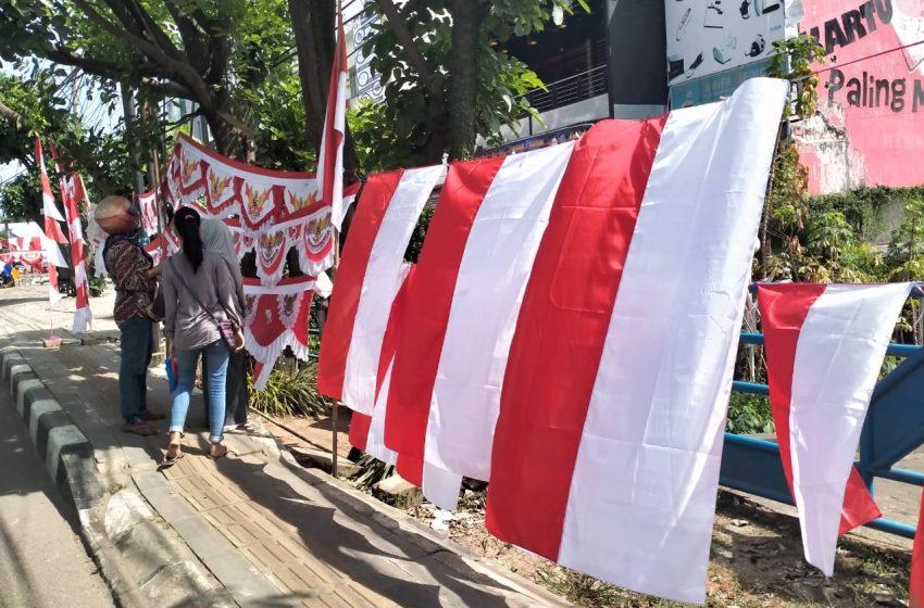 Bendera Merah Putih Tetap Laris Manis di Pandemi Covid 19
