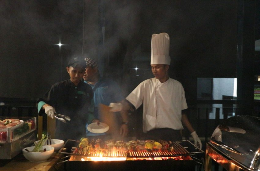 Makan Sepuasnya di THE 101 Hotel Palembang