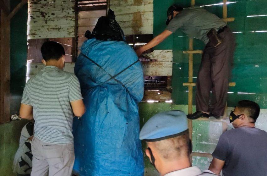 Mr X Tergantung Tanpa Busana di Pangkalan Panji Warga Riau