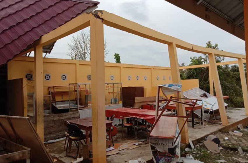 Angin Puting Beliung Rusak 5 Gedung Sekolah dan 3 Rumah Warga