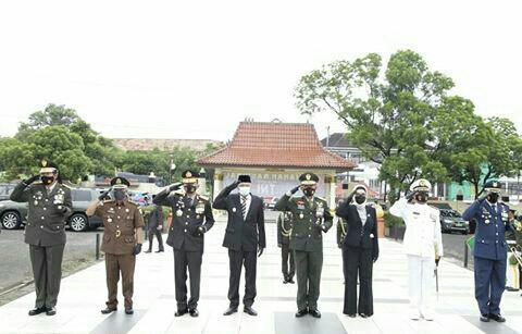 Wakil Gubernur Hadiri Upacara Ziarah Nasional