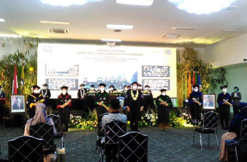 274 Mahasiswa Poltekpar Palembang di Wisuda