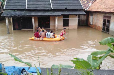 Puluhan Rumah Warga Keluarga Seterio Banyuasin Terendam Banjir