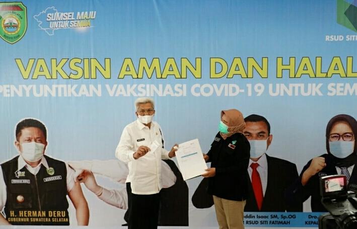 Vaksinasi Pertama Mawardi Yahya di RS Siti Fatimah