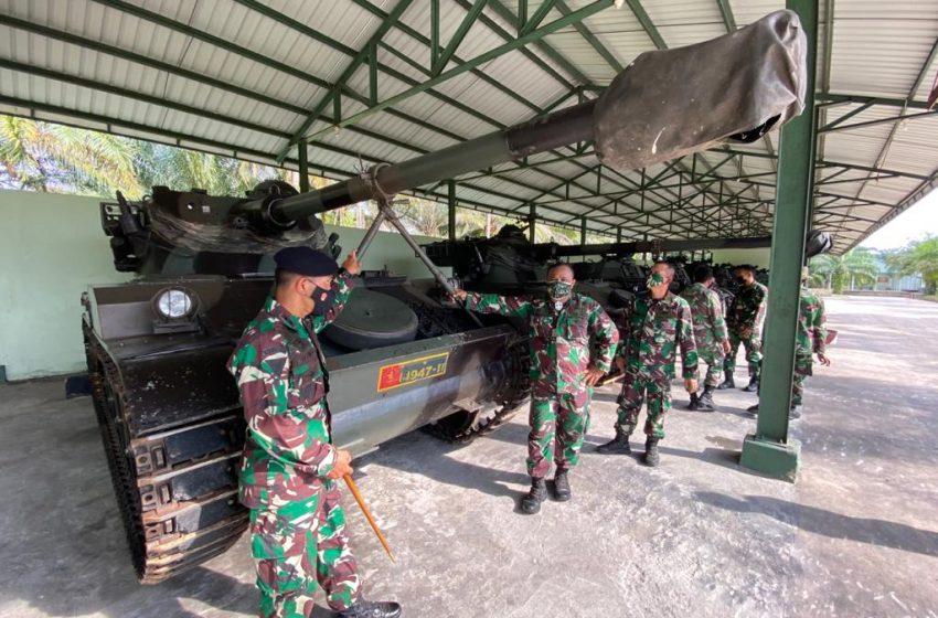 Tim Pengawasan Sarpraslat TNI AD Kunjungi Markas Yonkav 5/DPC Karang Endah