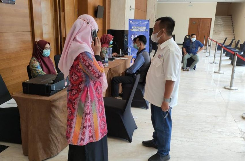 Ribuan Karyawan Hotel di Kota Palembang di Vaksinasi
