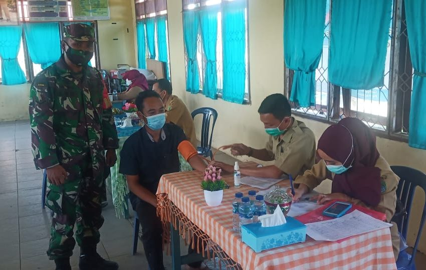Stop Mata Rantai Penyebaran Covid-19, TNI Sosialisasi dan Vaksinasi Massal