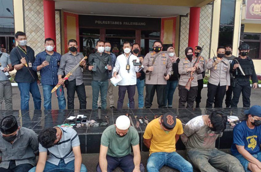 Kembali Grebek Kampung Narkoba, Polisi Amankan Belasan Orang dan Narkoba