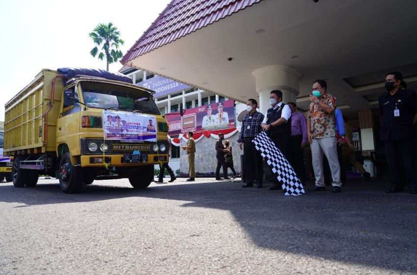 Herman Deru  Salurkan  Bantuan Beras PPKM Bagi  430.808 Keluarga Penerima Manfaat