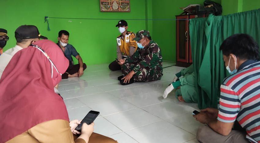 Anggota TNI datangi Rumah Warga Terindikasi Covid-19