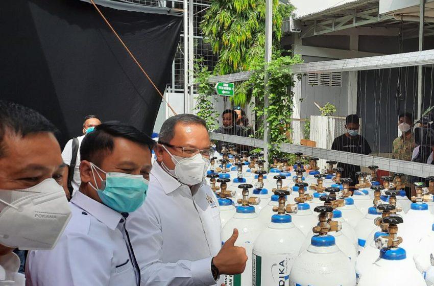 Kadin Sumsel Bantu 400 Tabung Oksigen untuk Rumah Sakit seSumsel